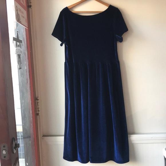65a2751006 Lykke Wullf Dresses   Skirts - Lykke Wullf indie LA designer velvet midi  dress
